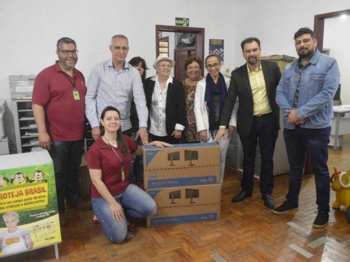 Conselho Tutelar recebe da Prefeitura de Santa Maria cinco novos computadores